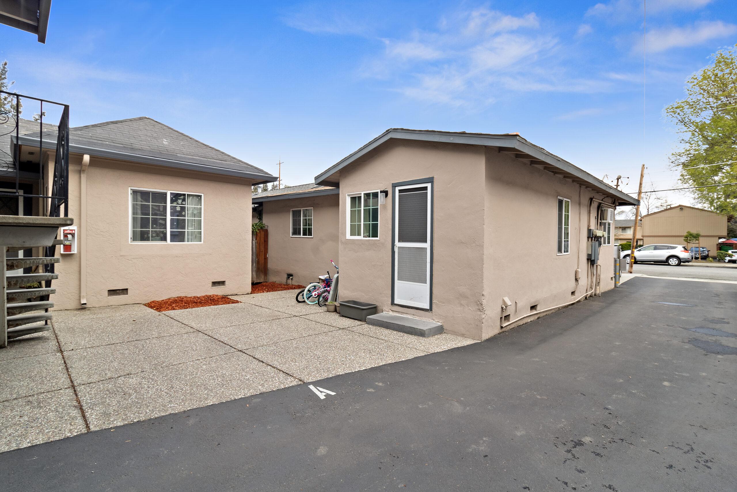 821-837 Northrup Street building exterior